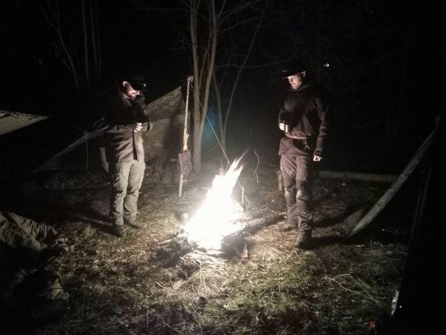 Lagerfeuer, Bushcraft, Übernachtung