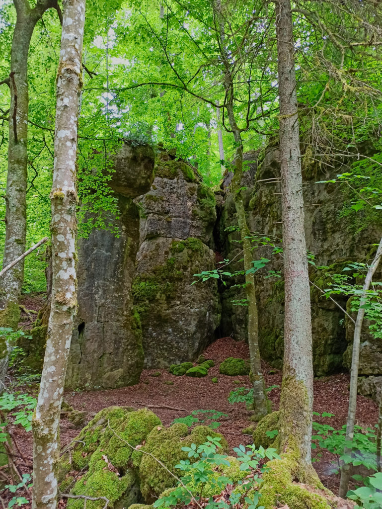 Das ZigeunerlochWanderung Burg Wellheim Zigeunerloch