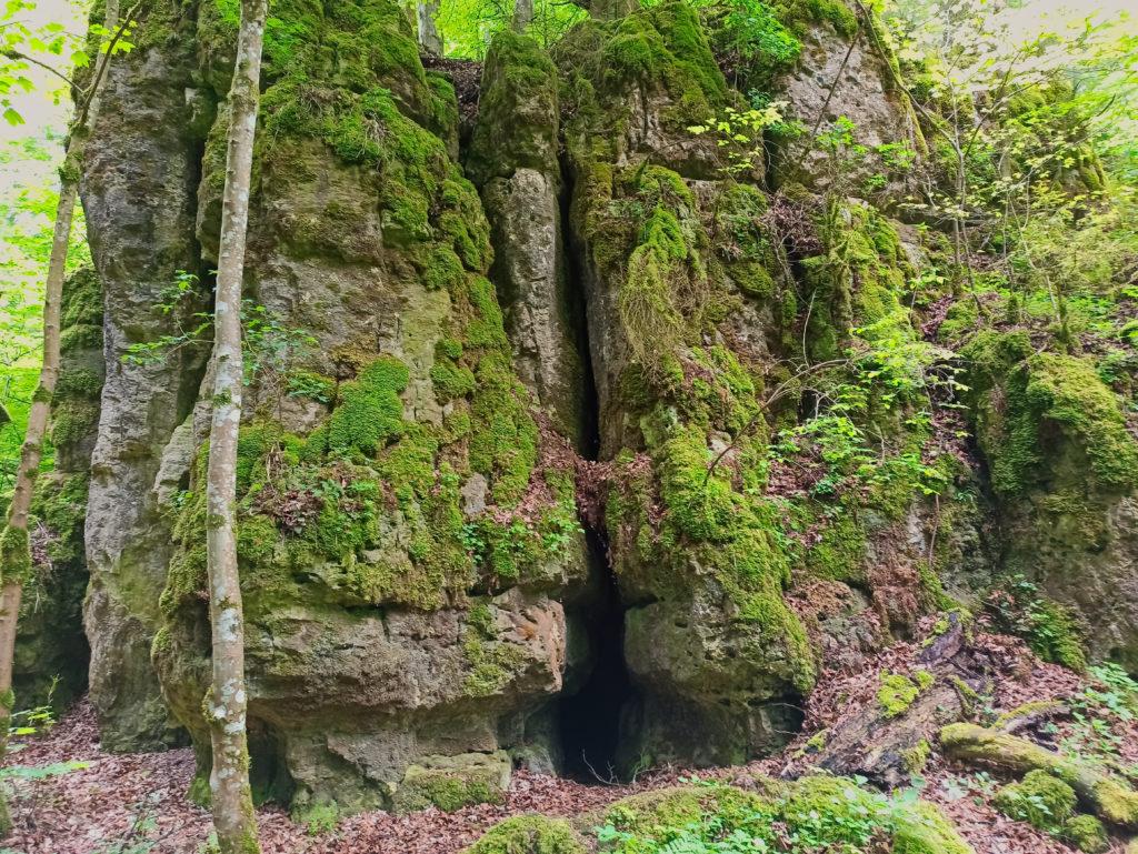 FelsformationWanderung Burg Wellheim Zigeunerloch