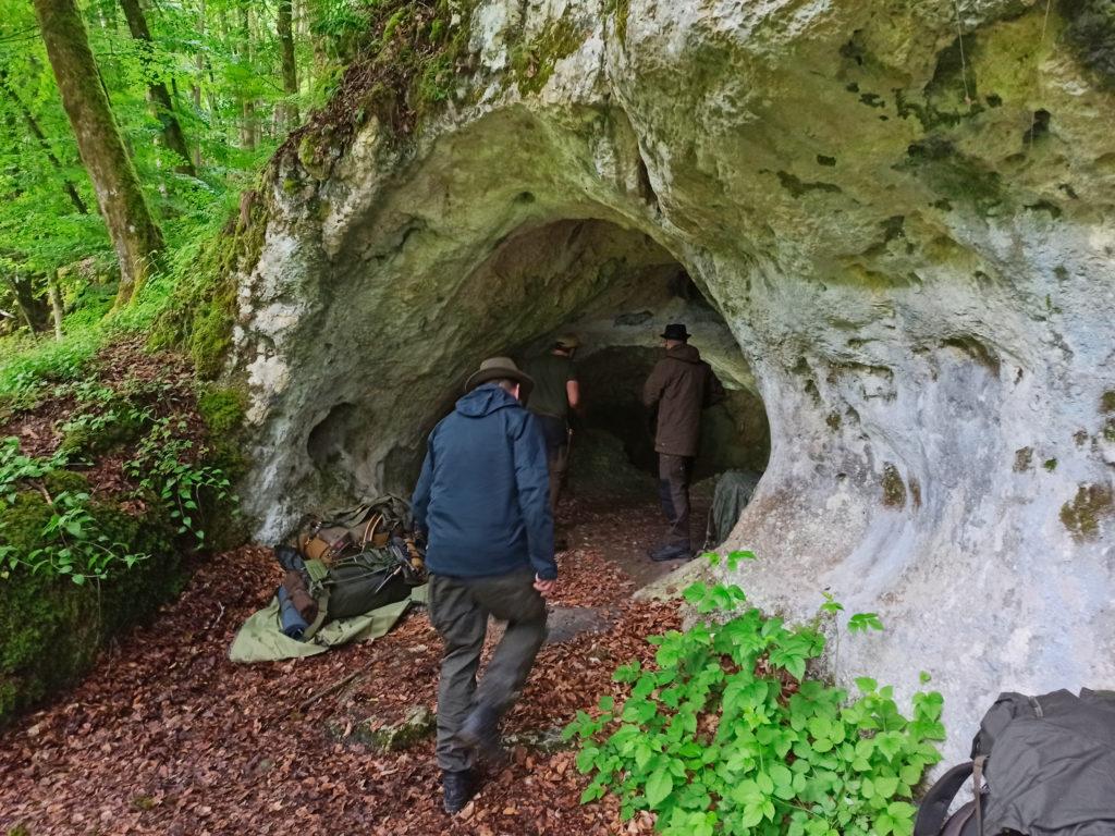 YouTube Vlog Übernachtung Steinzeithöhle