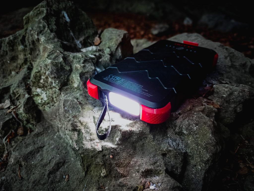 Outxe Solar Powerbank 10000mAh