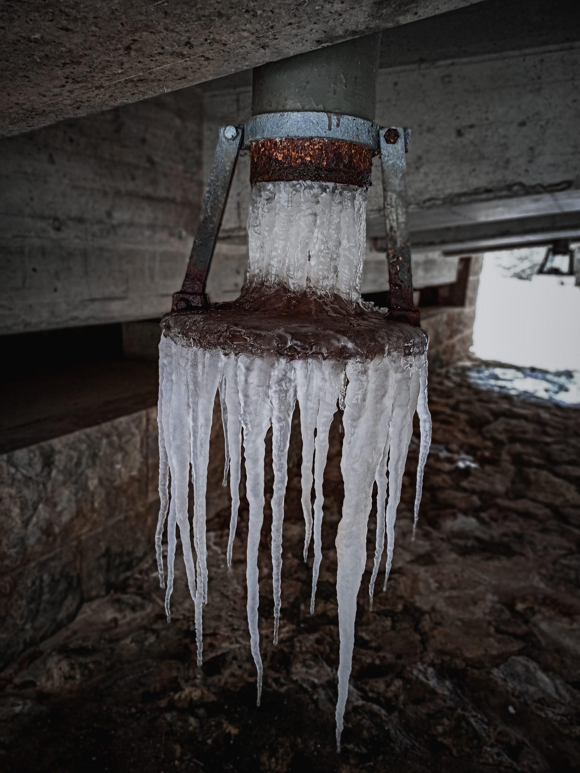 Eiszapfen Waltinger Brücke